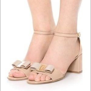 Salvatore Ferragamo Gavina Bow Patent City Sandals